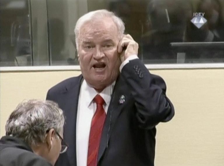 Ράτκο Μλάντιτς: Θεία δίκη για τον «χασάπη των Βαλκανίων» – Καταδικάστηκε σε ισόβια | Newsit.gr