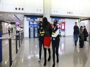 Ελληνίδα μοντέλο με 2,5 κιλά κοκαΐνης στο αεροδρόμιο του Χονγκ Κονγκ! Η στιγμή της σύλληψης [pics, vid]