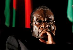 Ζιμπάμπουε: Ο Μουγκάμπε περιμένει την τύχη του – Θέλουν να δικάσουν τη γυναίκα του