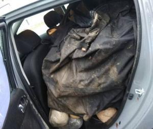 Έτσι οδηγούσε Αλβανός που έφερνε 142 κιλά κάνναβης στην Ελλάδα! [pics]