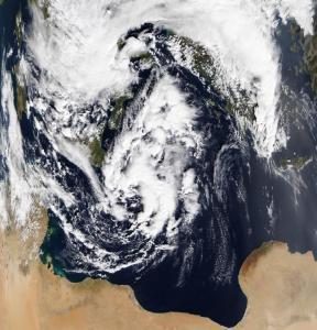 """Καιρός: Μετά την """"Ευρυδίκη"""" ο """"Ζήνωνας"""" – Απίστευτη εικόνα από τη NASA"""