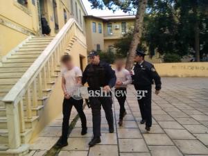 Χανιά: Αυτοί είναι οι Βρετανοί στρατιωτικοί που σακάτεψαν στο ξύλο νεαρό μπροστά στη γυναίκα του [pics, vid]