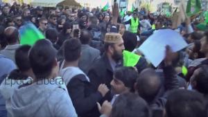 Ξύλο στην Ομόνοια! Συμπλοκές μεταξύ οπαδών του ΠΑΟΚ και Πακιστανών [vid]