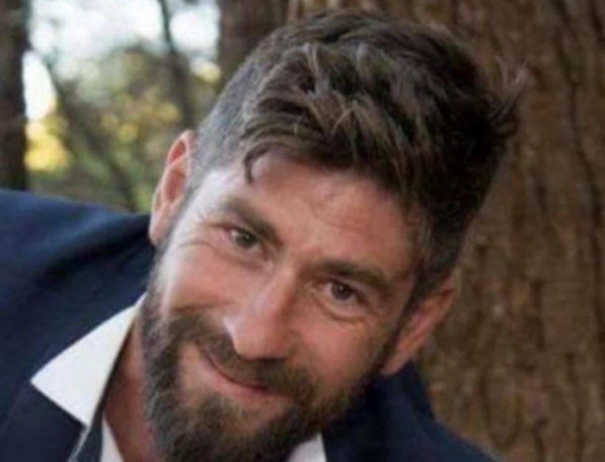 Πάτρα: Βρέθηκε νεκρός ο Βασίλης Γιοβάνης λίγο μετά το γάμο του – Σε κατάσταση σοκ η γυναίκα του [pics] | Newsit.gr