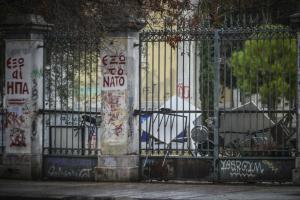 Πολυτεχνείο: Η κατάληψη συνεχίζεται, οι πόρτες παραμένουν κλειστές