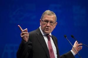 Ρέγκλινγκ: Η Ελλάδα έχει πολλές πιθανότητες να αρχίσει να αυτοχρηματοδοτείται από τον Αύγουστο του 2018