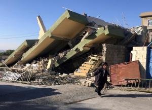 Σεισμός σε Ιράν και Ιράκ: Εικόνες βιβλικής καταστροφής! Έκτακτη βοήθεια από την Τουρκία [pics, vids]