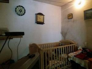Ηράκλειο: Κύμα αλληλεγγύης για τη γιαγιά που ζει με το εγγόνι της κάτω από άθλιες συνθήκες [pics]