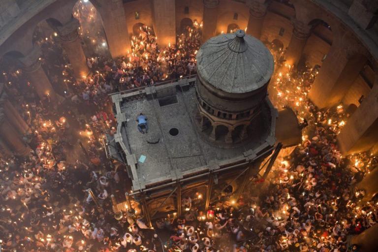 Τάφος του Χριστού: Δέος! Έλληνες επιστήμονες προσδιόρισαν την ηλικία του! [vid, pics] | Newsit.gr
