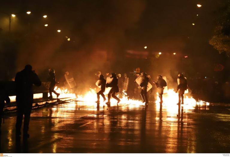 Αναβλήθηκε η δίκη για τους συλληφθέντες στα επεισόδια γύρω από το Πολυτεχνείο | Newsit.gr