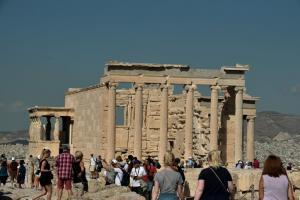 Πάνω από 23,5 εκατ. τουρίστες στην Ελλάδα έως τον Σεπτέμβριο