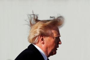 Το μαλλί του Ντόναλντ Τραμπ κινείται… αυτοβούλως!
