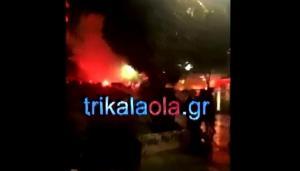 Ο Μιχαλολιάκος έβαλε… φωτιά στα Τρίκαλα – Επεισόδια στην πορεία κατά της Χρυσής Αυγής [vids]