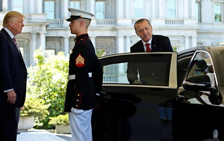 Τσακώνονται για την Αφρίν Τραμπ και Ερντογάν   Newsit.gr