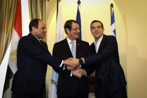 Τσίπρας – Αναστασιάδης – Σίσι: Όλα όσα ειπώθηκαν στην τριμερή [pics]