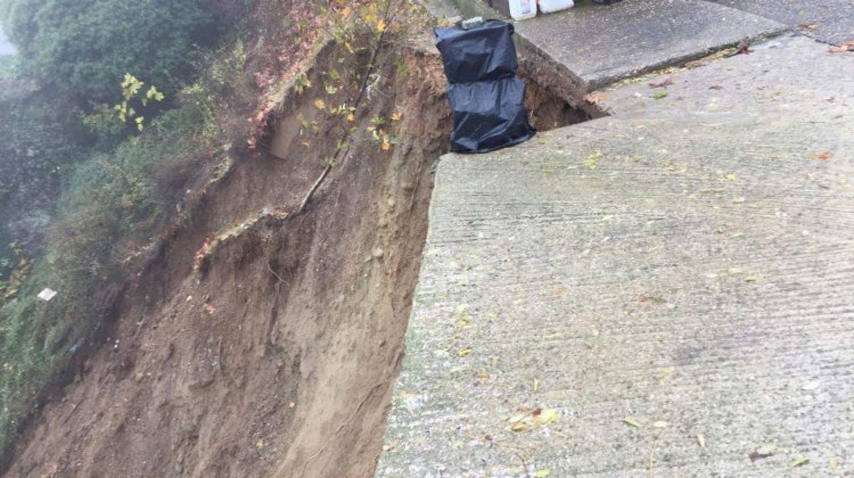 Μετέωρα: Κατέρρευσε πλαγιά στη Μονή Βαρλαάμ | Newsit.gr