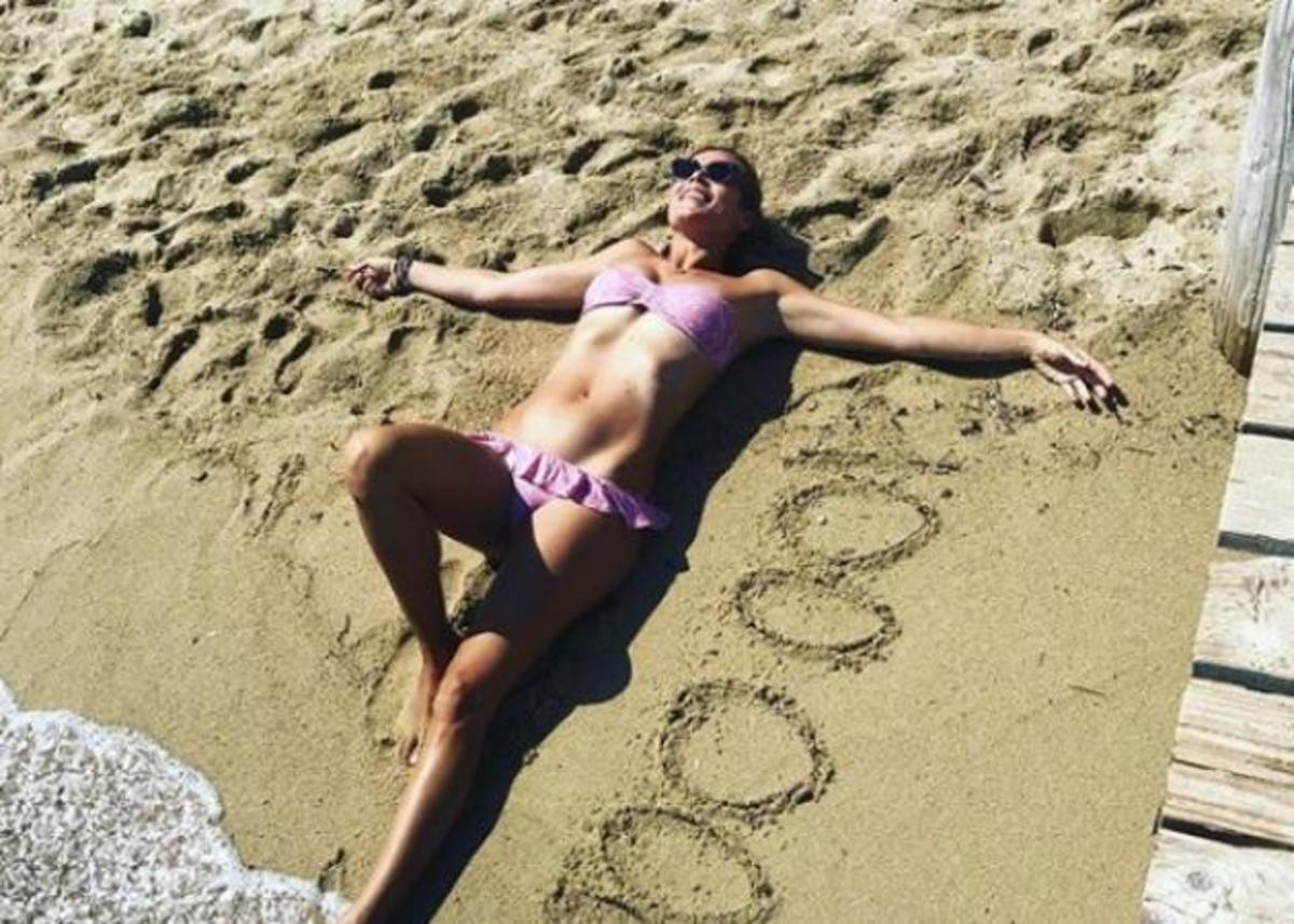 Μαριέττα Χρουσαλά: Στην παραλία της Φλόριντα με τον σύζυγό της, λίγο πριν γεννήσει! [pics,vid] | Newsit.gr