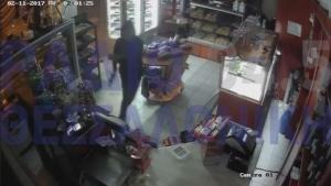 Βίντεο ντοκουμέντο: Καρέ καρέ η διάρρηξη σε ζαχαροπλαστείο στη Μενεμένη [vid]