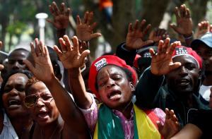 Παραιτήθηκε ο πρόεδρος της Ζιμπάμπουε!