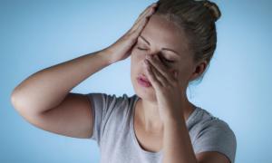 Έχετε μπούκωμα; Καταρροή; «Βαρύ» κεφάλι; Τα βασικά για την ιγμορίτιδα [vid]