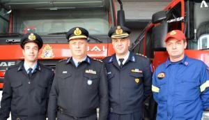 Βόλος: Αυτοί είναι οι ήρωες πυροσβέστες που βούτηξαν στο λιμάνι για να σώσουν ηλικιωμένο [pics]