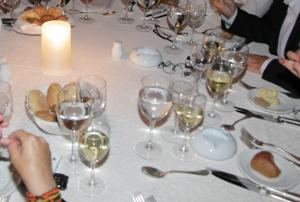 Θεσσαλονίκη: Εορταστικό τραπέζι με όλα τα καλούδια και φθηνότερο από το 2016