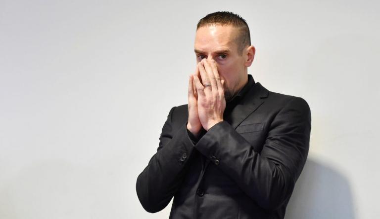 Ριμπερί: Στα… μαχαίρια με τον μάνατζέρ του! Αρχισε η δίκη | Newsit.gr