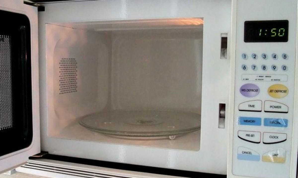 Πώς μπορεί να σας βλάψει ο φούρνος μικροκυμάτων | Newsit.gr