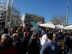Κομοτηνή: Εικόνες από τη συγκέντρωση κατά της επίσκεψης Ερντογάν – Πανό, σημαίες και συνθήματα [pics]