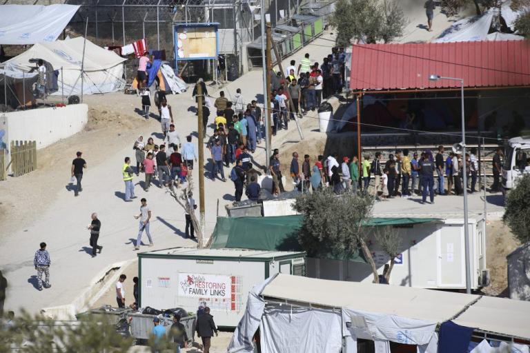 Λέσβος: Όπλα, κλοπές και συλλήψεις στον καταυλισμό της Μόριας | Newsit.gr