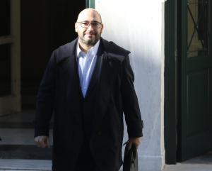 Ελευθερος μετά την απολογία του ο πρόεδρος της ΚΑΕ ΑΡΗΣ και η σύζυγος του