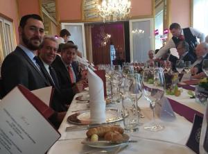 Αούστρια – ΑΕΚ: Γεύμα για τους «κιτρινόμαυρους» στο δημαρχείο της Βιέννης [pics]