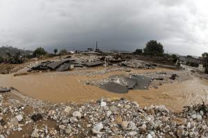 Η κακοκαιρία «έκλεισε» δρόμους σε Ροδόπη, Δράμα και Αιτωλοακαρνανία – Πού χρειάζονται αλυσίδες