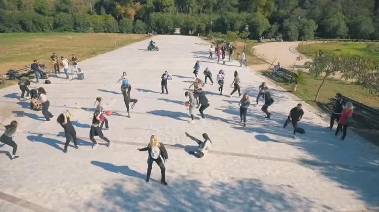Το πιο εντυπωσιακό flash mob στο Πεδίον του Άρεως [vid] | Newsit.gr