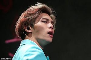 Αυτοκτόνησε ο frontman του boy band Shinee – Τα τελευταία ανατριχιαστικά μηνύματα