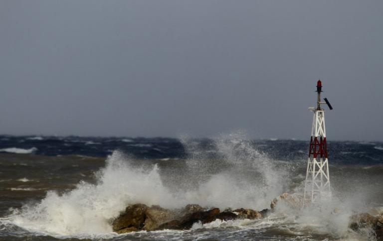 Καιρός: Δεμένα τα πλοία στο Ιόνιο – Η κακοκαιρία είναι εδώ | Newsit.gr