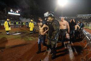 Έλληνας στους συλληφθέντες για τα επεισόδια στο ντέρμπι του Βελιγραδίου!