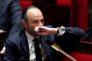 Νέος σάλος στη Γαλλία – Μετά τον Μακρόν και ο Φιλίπ στο στόχαστρο – «Χρυσά» ναύλα…  350.000 ευρώ!