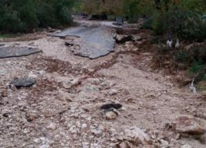 Πρέβεζα: Η κακοκαιρία «εξαφάνισε» δρόμους και περιουσίες – Περιοχές αποκλεισμένες στα λασπόνερα [pics]