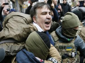 Σκηνές χάους στη σύλληψη του πρώην προέδρου της Γεωργίας – Τον απελευθέρωσαν υποστηρικτές του