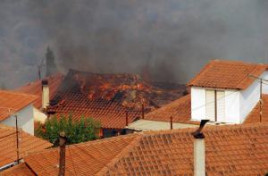 Η φωτιά ξεκίνησε από τη στέγη – Μεγάλες ζημιές σε σπίτι στο Μέτσοβο
