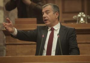 Διαψεύδει τα σενάρια ο Σταύρος Θεοδωράκης: «Συγκρατηθείτε παιδιά, ούτε το έχω σκεφτεί!»