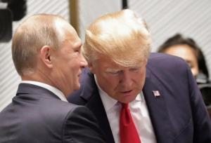 Νέο επεισόδιο στον «πόλεμο» Ρωσίας – ΗΠΑ: «Προσπαθούν να στρατολογήσουν τους δημοσιογράφους μας»