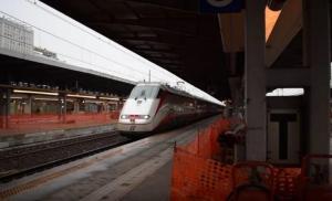 Αθήνα – Θεσσαλονίκη σε 3,5 ώρες με τρένο – Η προϋπόθεση των Ιταλών – Το «Λευκό Βέλος» επί της οθόνης [vid]