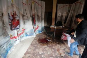Κάιρο: 9 οι νεκροί από την τρομοκρατική επίθεση στην Εκκλησία Κοπτών – Σοβαρά τραυματισμένος ο δράστης [pics,vid]