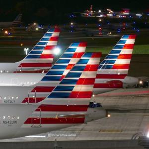 American Airlines: Απίστευτο! Της ζήτησαν να πληρώσει επιπλέον το μητρικό γάλα σε πτήση