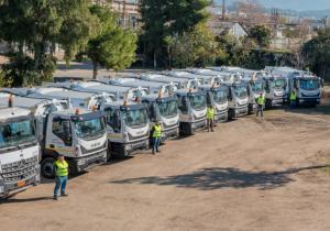 """""""Γνωριμία"""" δημοτών με τα νέα απορριμματοφόρα του δήμου Αθηναίων"""