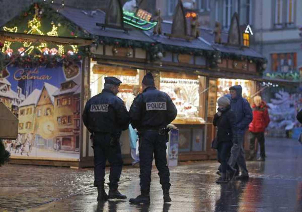 Spiegel: Δεκάδες νεοναζί σε αστυνομία και στρατό | Newsit.gr