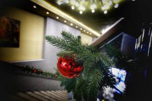 Χριστούγεννα 2017: Σε εορταστικό κλίμα η κίνηση στην αγορά της Αθήνας