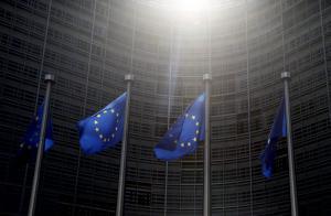 Μαστίγιο και καρότο από τις Βρυξέλλες: Θέλουμε έργα στο Ελληνικό και μεταρρυθμίσεις